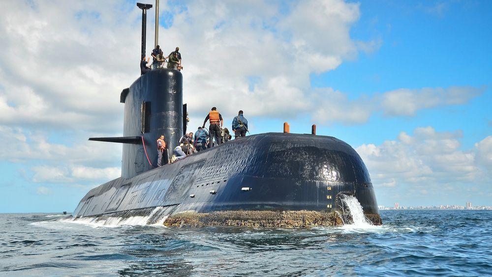 Arkivfoto av den savnede ubåten som forsvant i november i fjor med et mannskap på 44 om bord. Nå er fartøyet funnet på 800 meters dyp utenfor kysten av Argentina, utenfor halvøya Valdes.