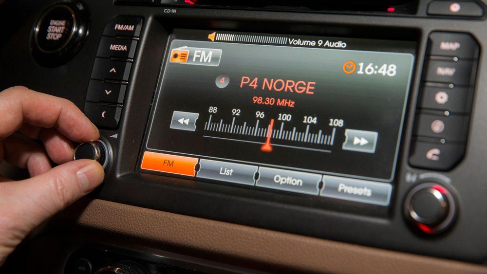 I Norge overtok Dab for FM-nettet i løpet av 2017. Nå vil EU-parlamentet kreve at bilradioer som selges i unionen, kan ta i mot Dab-signaler.