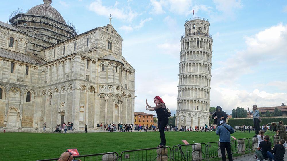 Det skjeve tårn i Pisa retter seg stadig mer opp.