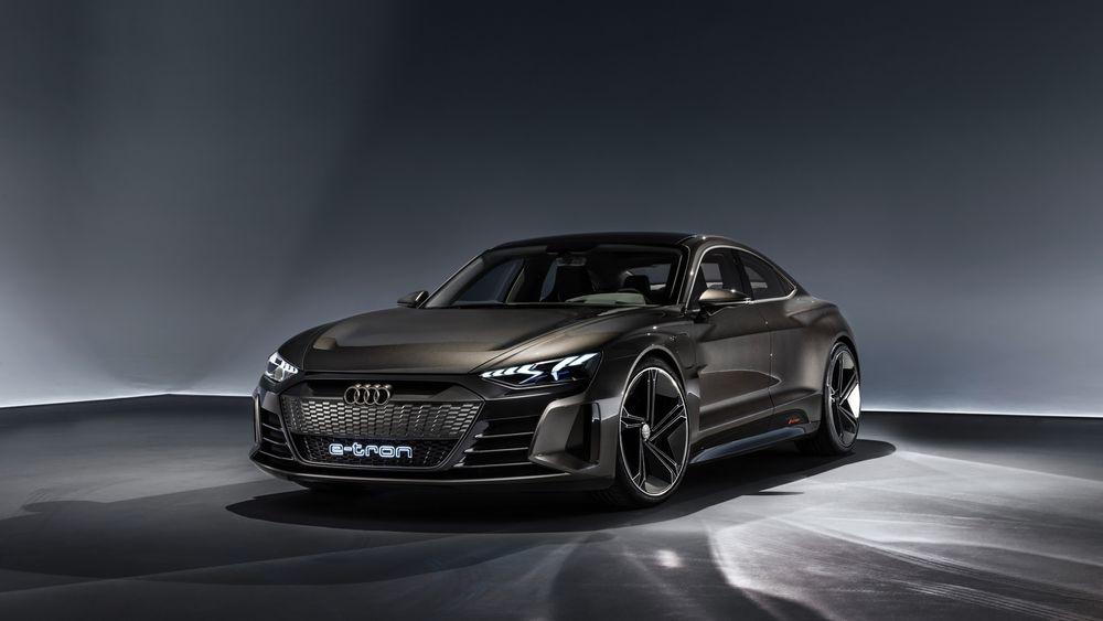 Her går det unna: 434 kilowatt og et kjølesystem som gjør det mulig å tråkke gassen i bånn gang etter gang, lover Audi.