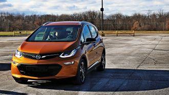 Opel Ampera-e er nær identisk med Chevrolet Bolt, og produseres av GM for PSA.