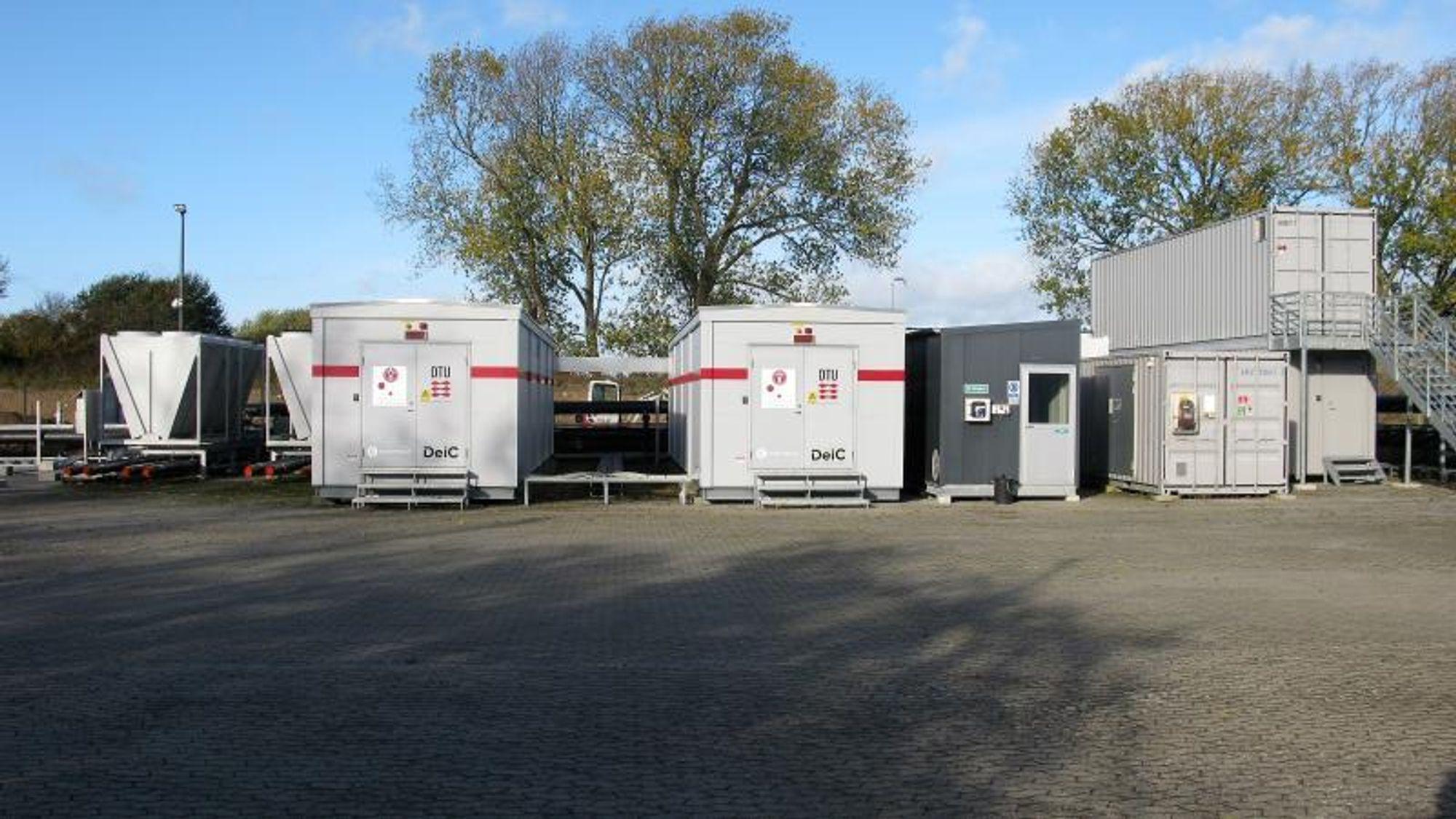 På containerplassen til Danmarks Tekniske Universitet (DTU) i Risø driftes noen av Danmarks største og raskeste datamaskiner.