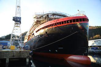 Hurtigruten Kleven Verft MS Roald Amundsen - MF Fridtjof Nansen Ekspedisjonsskip Ekspedisjonscruise
