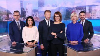 Dagsrevyens team i 2018: Fra venstre: Jarle Roheim Håkonsen, Rima Iraki, Atle Bjurstrøm, Ingerid Stenvold, Nina Owing, Yama Wolasmal