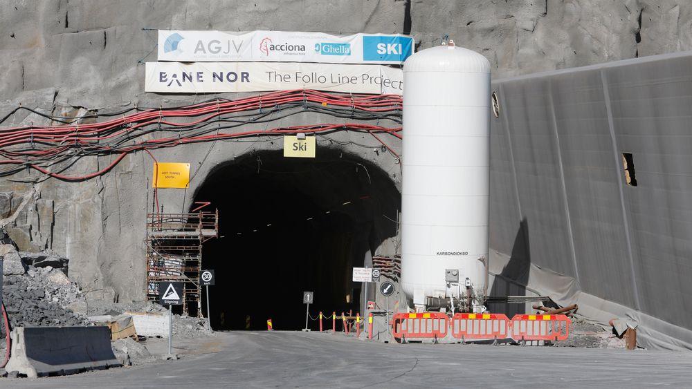 Den omfattende utbyggingen av Follobanen er budsjettert til 25 milliarder kroner. Nå er Bane Nor dømt til å betale 272,8 millioner kroner i erstatning til selskapet som ikke fikk anbudet.