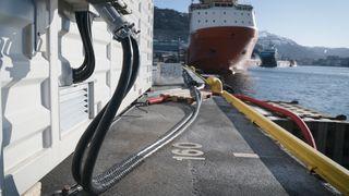 En halv milliard er delt ut til landstrøm-anlegg i Norge. Nå endrer Enova støtteordningen
