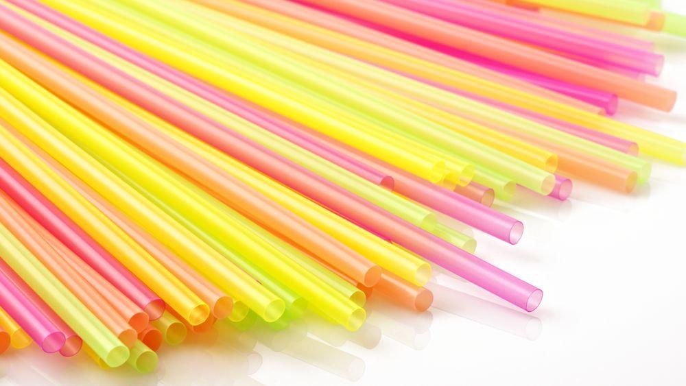 Plastsugerør er på lista over produkter EU har blitt enige om å forby.