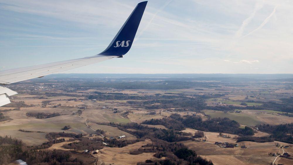 SAS-fly på vingene over Romerike på vei til landing på Gardermoen i 2014.