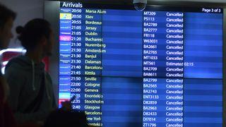 Gatwick-flyplassen åpnes igjen etter dronejakt