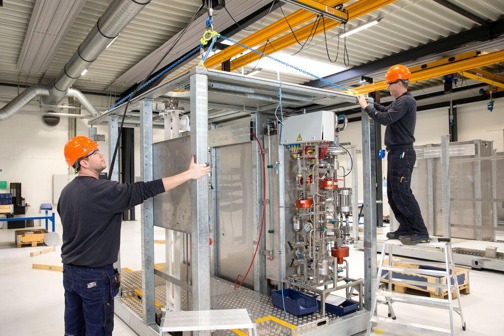 NEL Hydrogen dropper utvidelsene på Notodden og bygger enda større fabrikk på Herøya ved Porsgrunn.