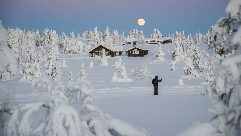 De største tettbebygde hytteområdene er rundt Sjusjøen (bildet) i Ringsaker kommune i Hedmark.