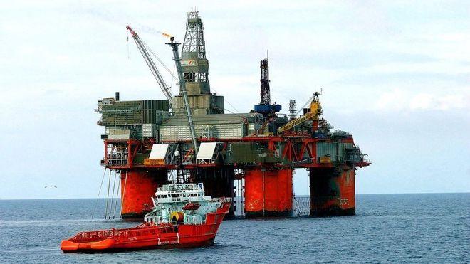 Største hopp på to år: Oljeprisen steg med ni prosent