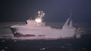 Tre nye AIS-basestasjoner skal gi bedre sikkerhet for skip nord for Svalbard