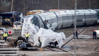 Lokføreren: Trykket som oppstod da togene møttes, kan ha revet løs lasten