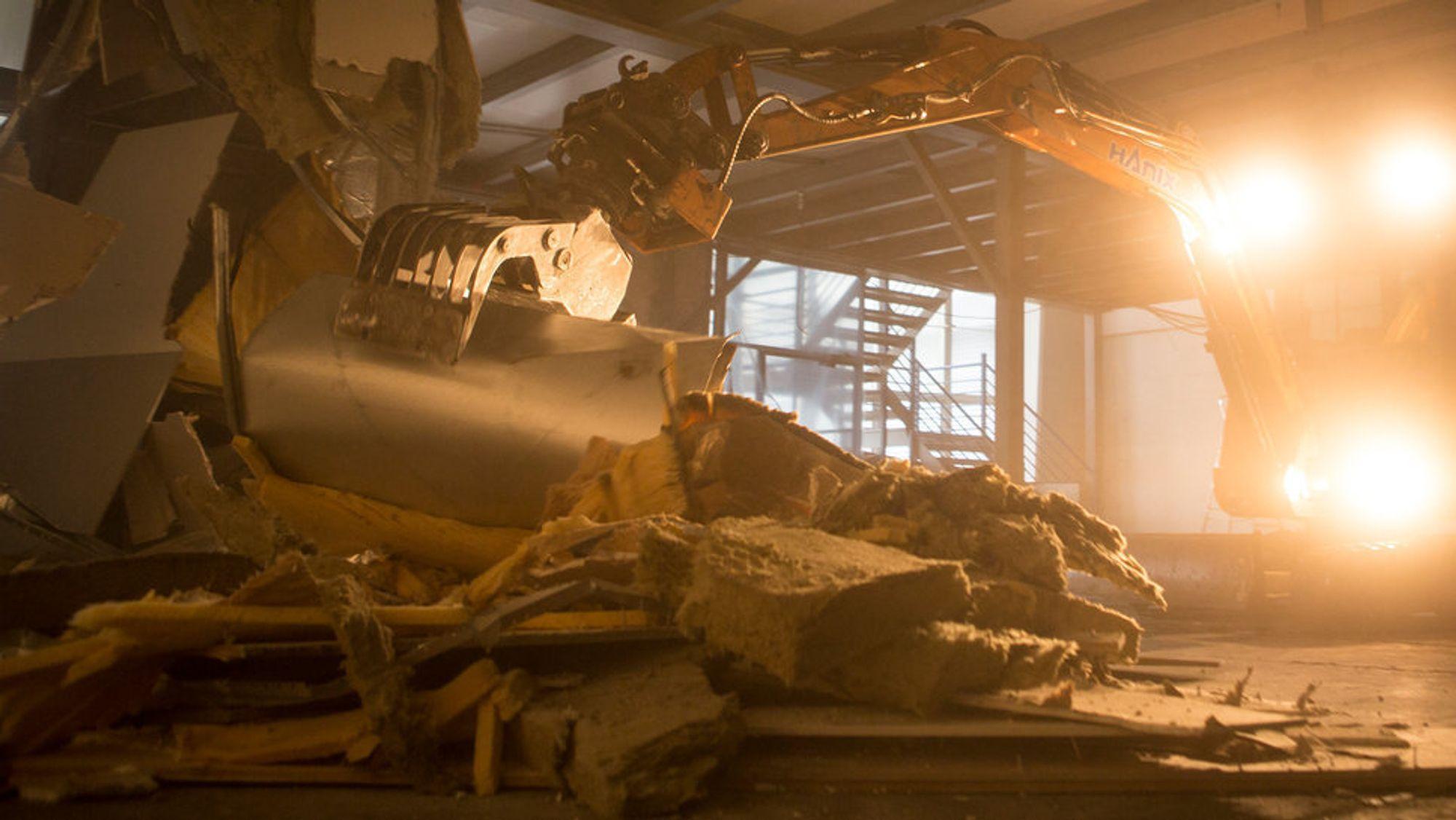 Nye bygg må tegnes og bygges slik at det blir enklere å gjenbruke materialene, mener Nito.