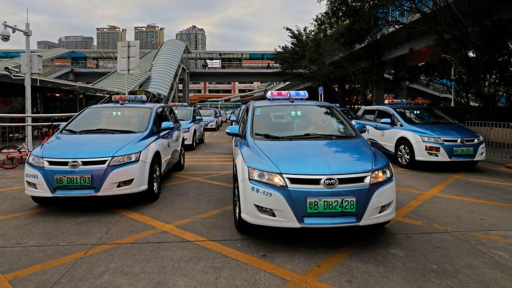 Shenzhen har byttet ut landets drivstoffdrevne taxier med el-taxier i et forsøk på å få ned luftforurensningen i byen.