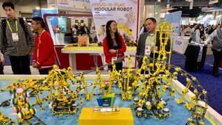 Nå kan barna bygge sine egne roboter mens de lærer å kode