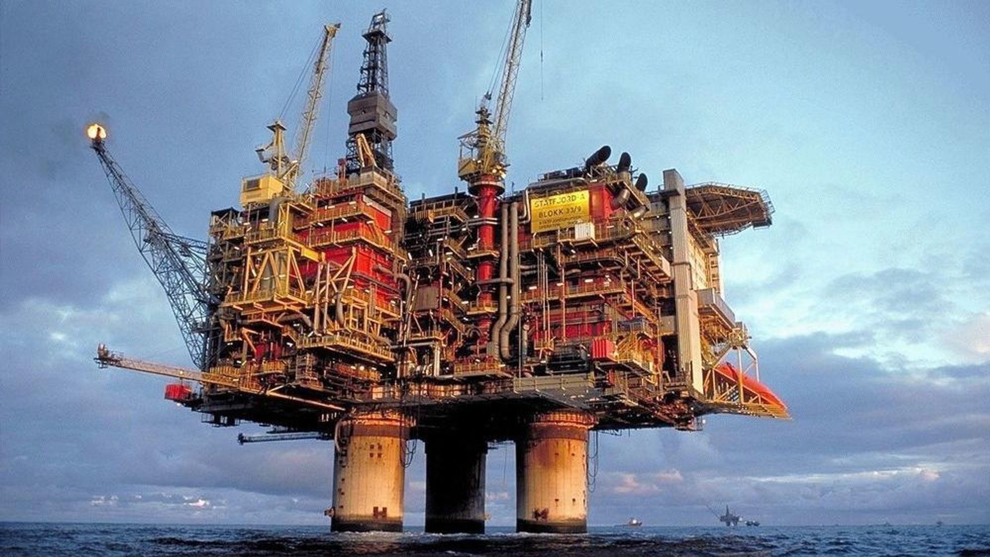 Det var nedgang i oljesalget i 2018, men leteaktiviteten var høyere enn året før, viser Oljedirektoratets oversikt. På bildet ser vi Statfjord A-plattformen.