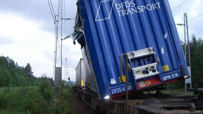 Togulykken: Danskene ser nærmere på norsk godstog-ulykke