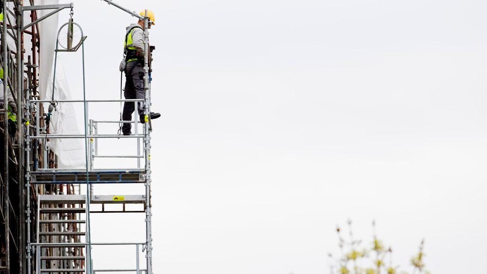 Det polske firmaet Wena Alicja Kaczynska ble ilagt et overtredelsesgebyr på én million kroner, hvilket er det største overtredelsesgebyret som Arbeidstilsynet har ilagt en bedrift for brudd på allmenngjøringsloven. Direktoratet for Arbeidstilsynet halverte imidlertid gebyret.