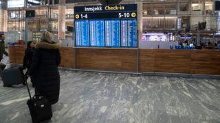 Flyselskapene taper på nye bonuspoeng-regler - men de kan takke seg selv