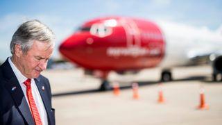 Norwegian kutter seks baser og en rekke ruter
