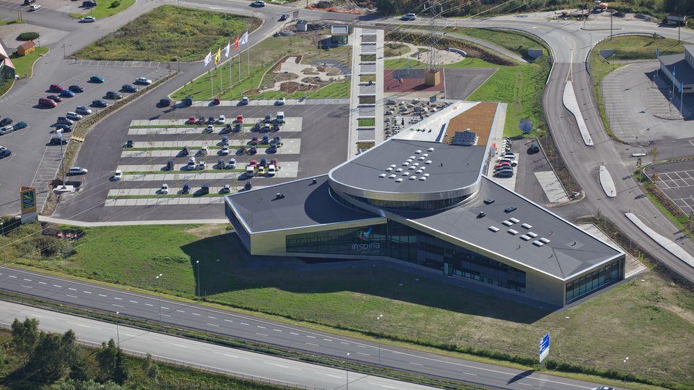 På denne parkeringsplassen kommer det som skal bli verdens smarteste ladeplass for elbiler.
