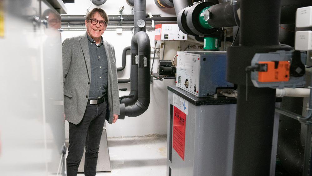 Avtroppende GK-sjef Jon Valen-Sendstad synes kravene til utnyttelse av solenergi i lavenergibygg kan være i strengeste laget.
