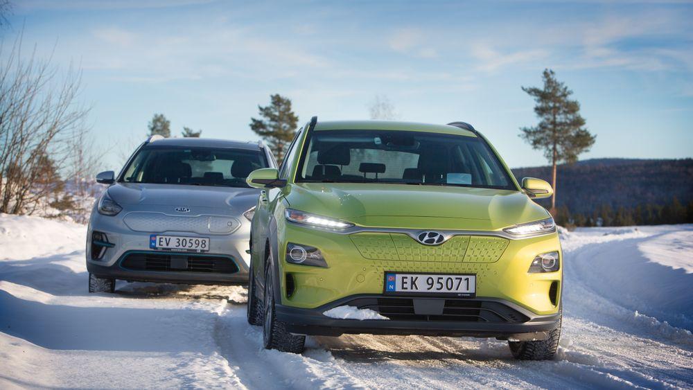 Vi har vært på en vintertesttur med Hyundai Kona (t.h) og Kia e-Niro.