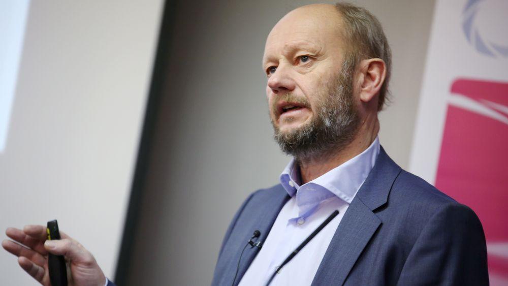 Administrerende direktør Stein Lier-Hansen i Norsk Industri mener regjeringens klimamål ikke er verd papiret de er skrevet på uten CO2-fangst.