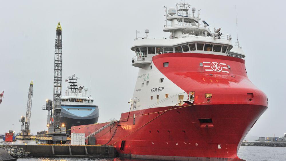 REM Eir er ett av de 13 forsyningsskipene  som kan benytte landstrøm. Det benytter også LNG som drivstoff.