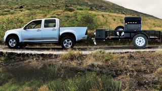 Ny type hurtiglader: Denne vogna leverer strøm til elbiler hvor som helst
