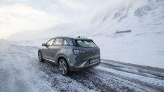 Ny rapport til regjeringen: Null tro på hydrogenbiler