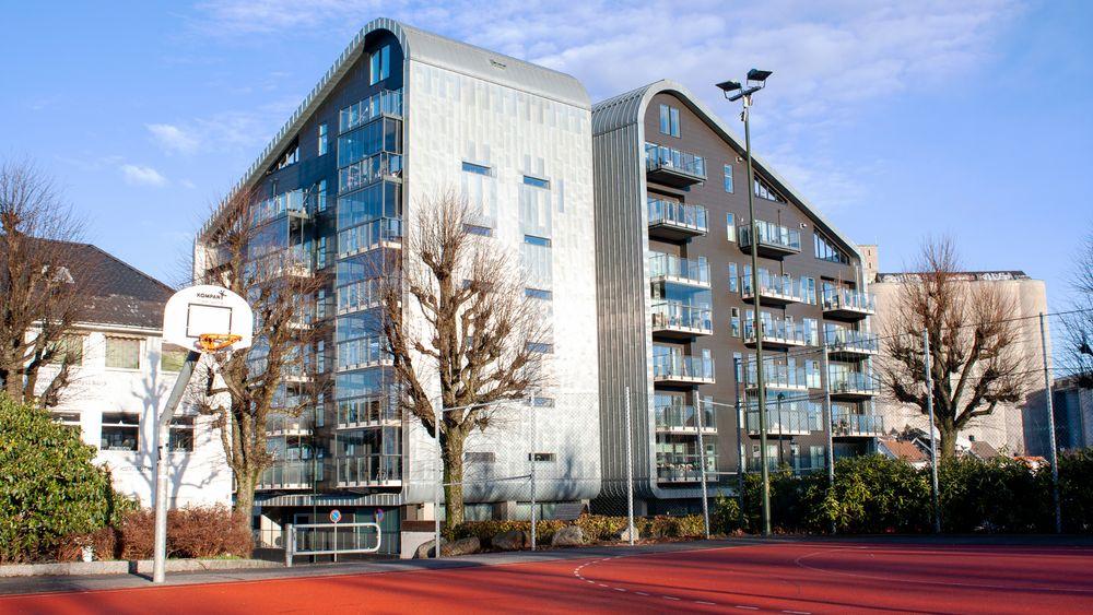 De to blokkene står trygt og godt øst i Stavanger. Ifølge dom fra tingretten kunne begge byggene rast uten forvarsel om ikke et feilaktig prosjektert knutepunkt hadde blitt korrigert. Lagmannsretten kaller det dagligdagse feil og avviser at byggene kunne kollapset.