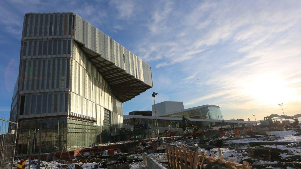 Utkrageren på Deichman Bjørvika er ikke bare et imponerende skue, men vel så mye et eksempel på hva man kan skape av godt samarbeid mellom arkitekter og ingeniører. I 2020 åpner dørene for publikum.