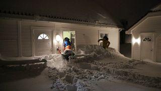 Snørekord i Lofoten: Flere hundre evakuert på grunn av skredfare