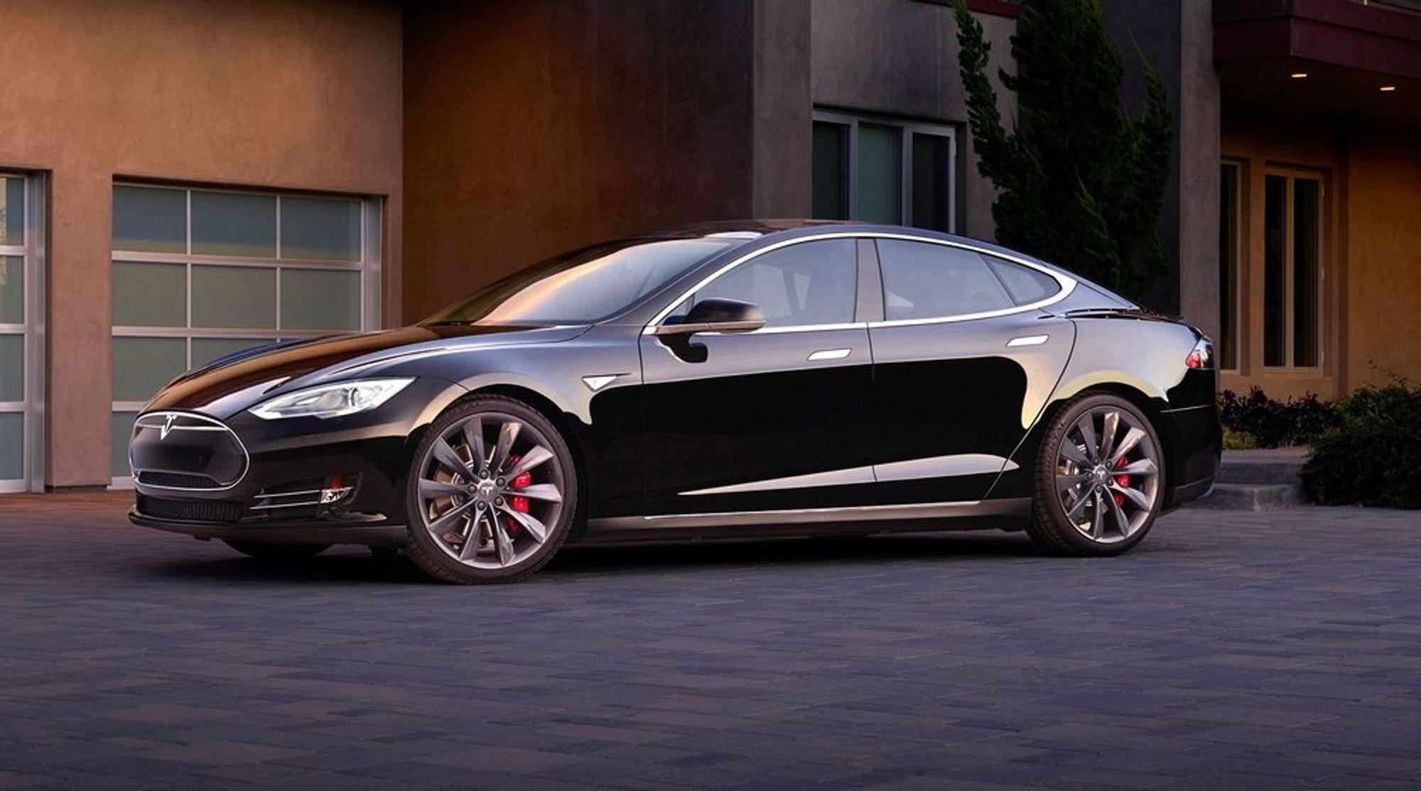 Trafikstyrelsen i Sverige har droppet planene om å forby salg av Tesla Model S.
