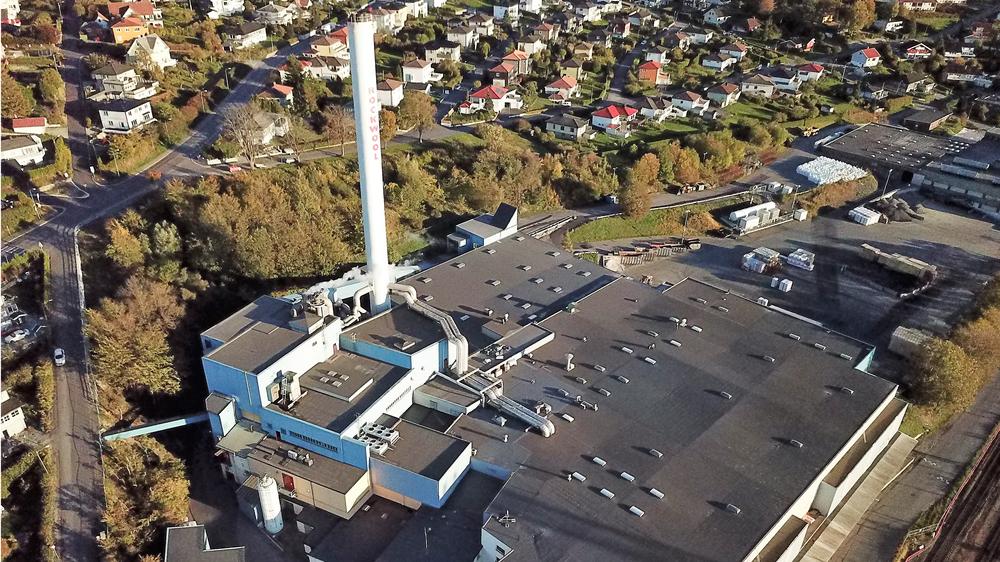 Steinullfabrikken i Moss er en av 28 fabrikker i Rockwool-konsernet, og er plukket ut til å lede an i energiomstillingen i selskapet.