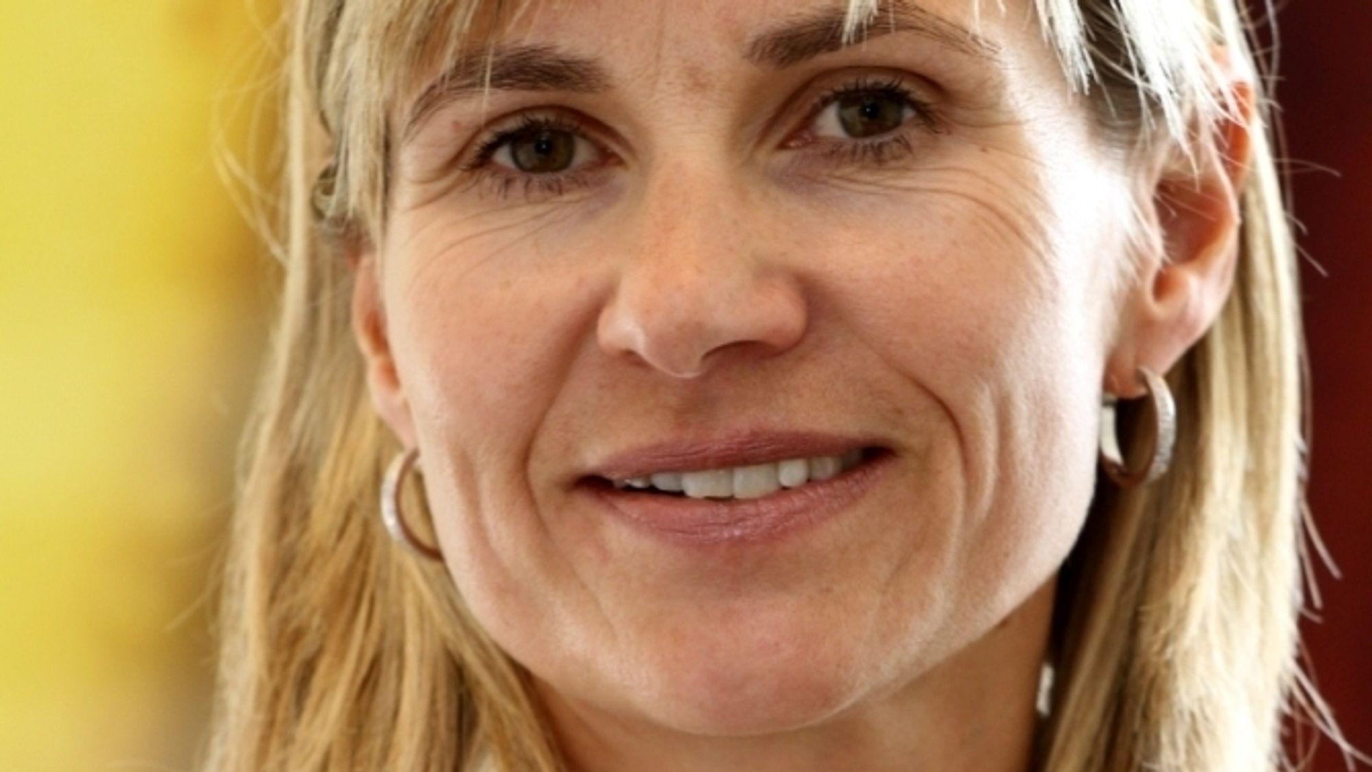 Kari Nicolaisen har bakgrunn fra Esso, Sonera og Ringnes. Når blir hun HR- og kommunikasjonssjef i Multiconsult.