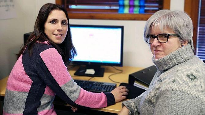Olene Molde og Eva Hetland er begge pedagogiske ledere og CLASS-tilretteleggere i Øygard barnehage. Ette rsatsingsåret er de fremdeles frikjøpt 10 prosent for å holde tak i arbeidet.