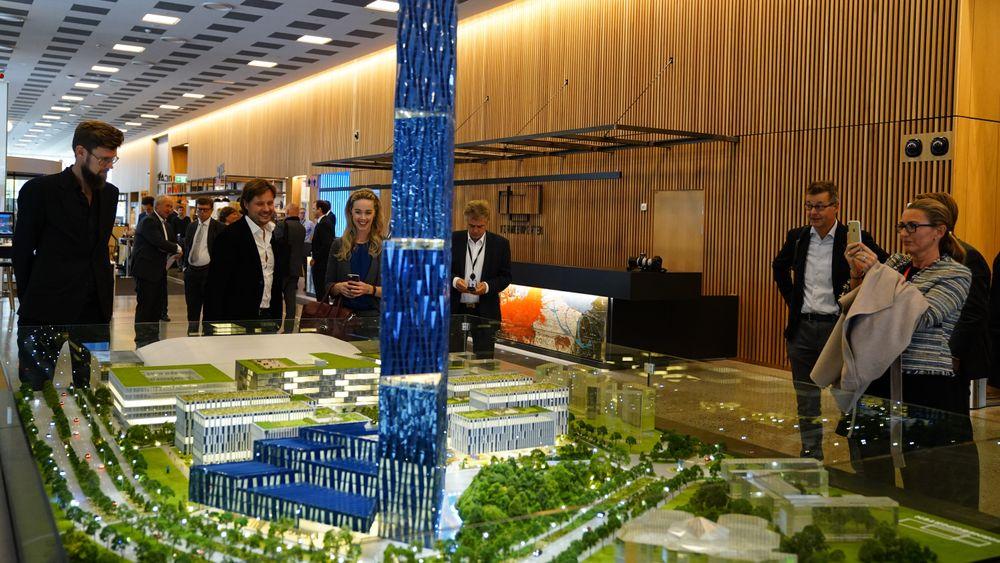 Motstandere av Kjell Inge Røkkes byggeprosjekt Det store blå i Bærum mener han kan innkassere en gevinst på 3,8 milliarder kroner dersom det blir realisert.