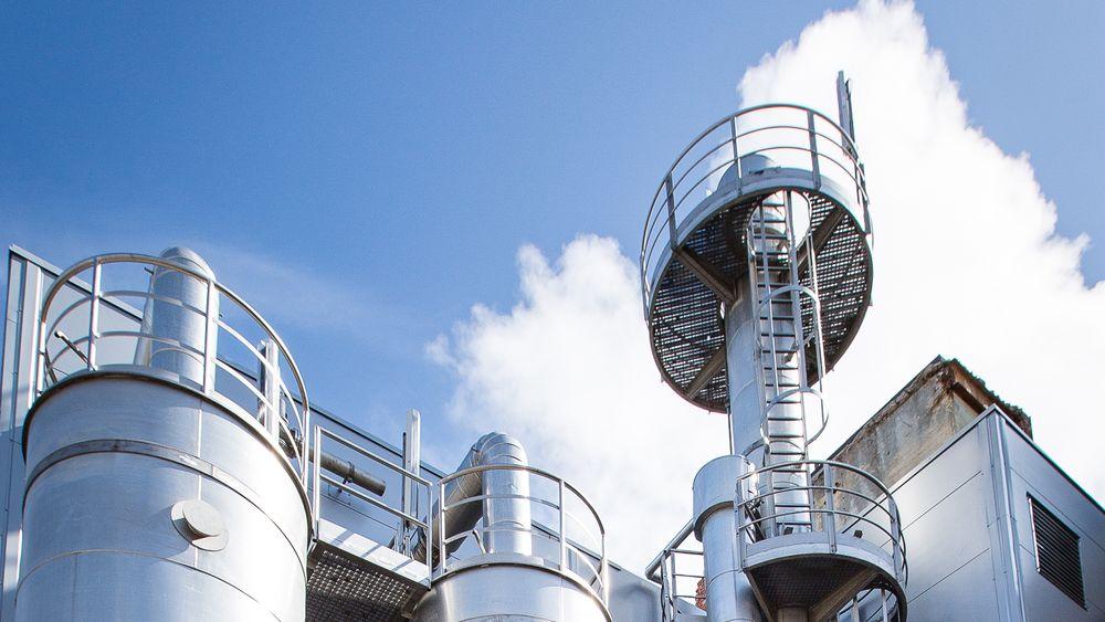 Borregaard tredobler produksjonen av bioetanol. Mandag åpnet de en ny produksjonslinje.
