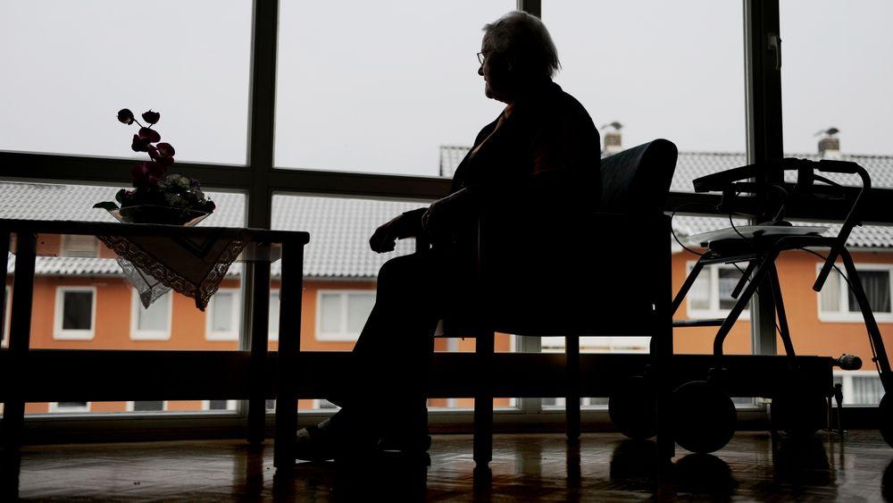 Det er i dag rundt 40.000 sykehjemsplasser i Norge. Rundt 80 prosent av beboerne, altså minst 32.000, er personer med demens. Antakelig en av de viktigste faktorene for å forebygge og utsette demens er å bruke hodet og kroppen.