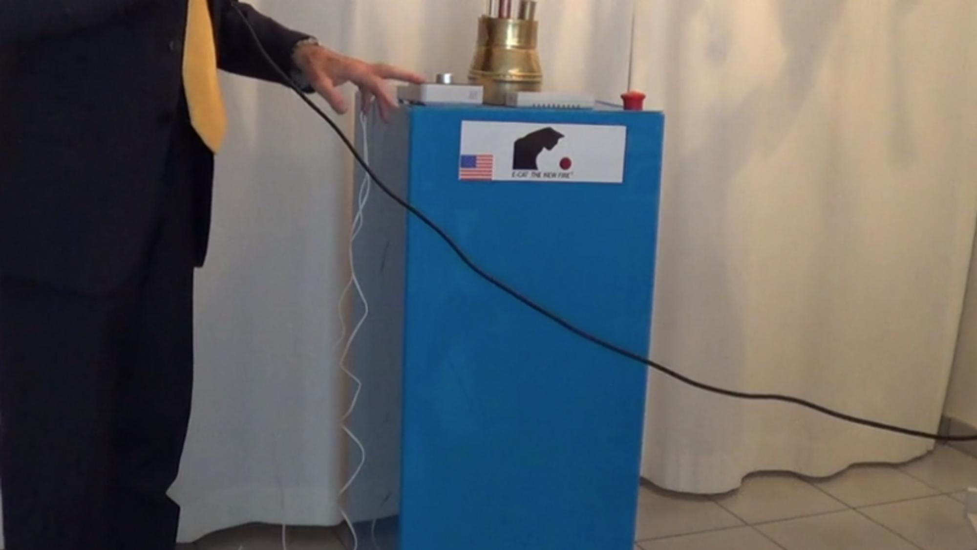 Andrea Rossi presenterer E-Cat SK - bilde fra internettpresentasjonen.