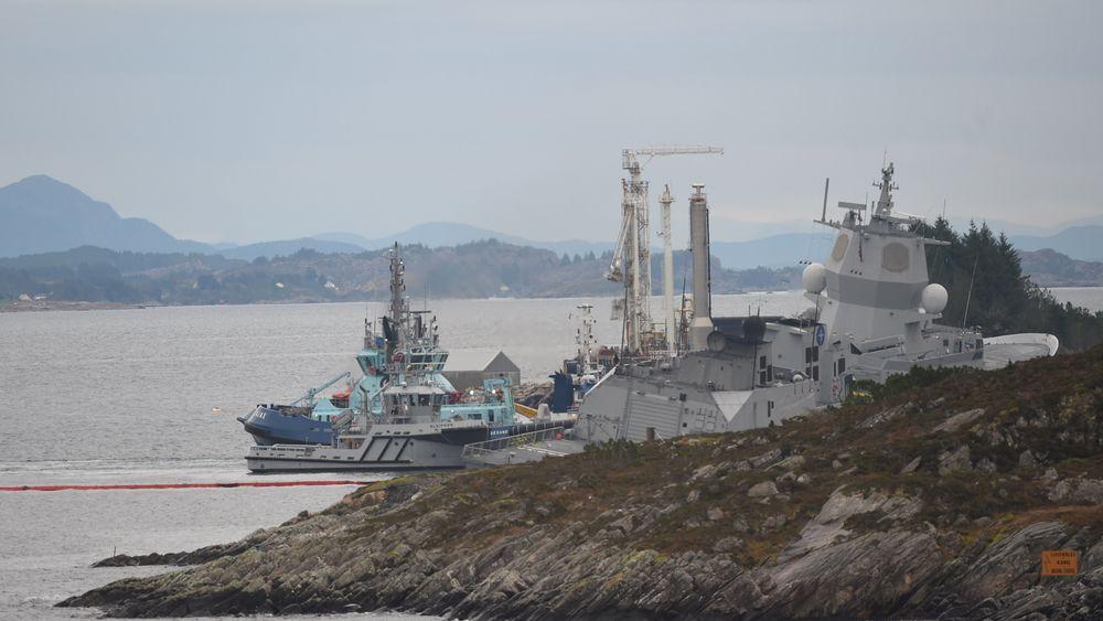 Fregatten KNM Helge Ingstad ble evakuert etter en kollisjonen med en tankbåt ved Stureterminalen i Øygarden. Alle i fregatten ble evakuert, og kort tid etter sank den.