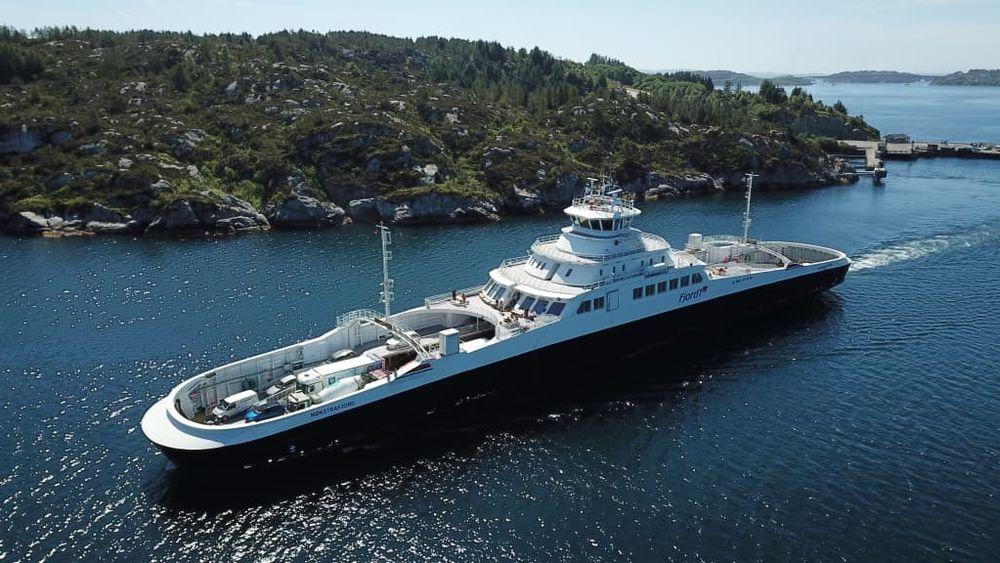 MF Møkstrafjord er en av fergene som måtte bytte ut batterimoduler på grunn av defekt kjøling.  Fergen har plass til ca. 130 personbiler og 299 passasjerer.