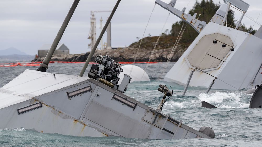 8. februar 2019 har fregatten KNM Helge Ingstad ligget under vann i 92 dager. Bildet er tatt onsdag 14. november 2018.