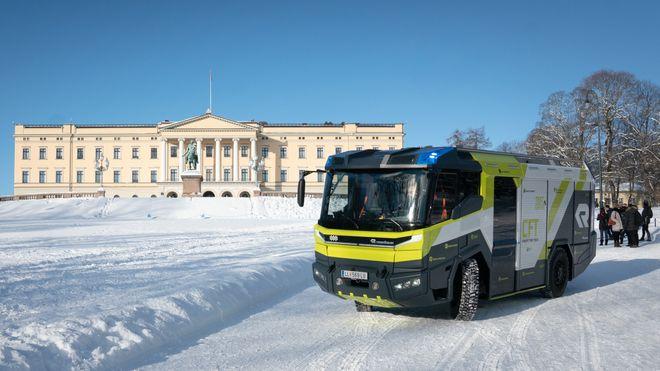 Her er fremtidens elektriske brannbil på vintertest i Norge