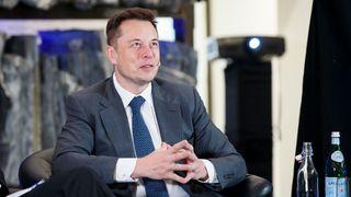Elon Musk i Norge for å følge opp servicesituasjonen til Tesla