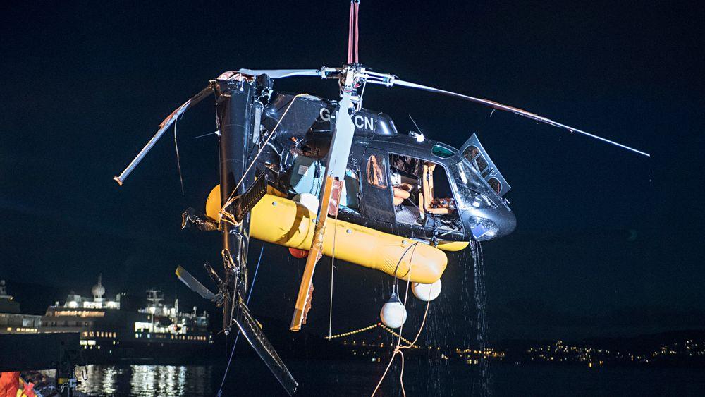 Helikopteret fikk hard medfart og styrtet da det ble truffet av en presenning under landing på yachten Bacarella i byfjorden i Bergen for to år siden.